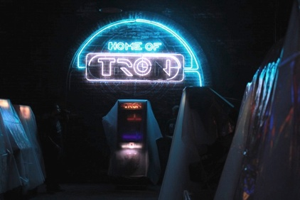 Flynn S Arcade Comicon San Diego Art Director Set